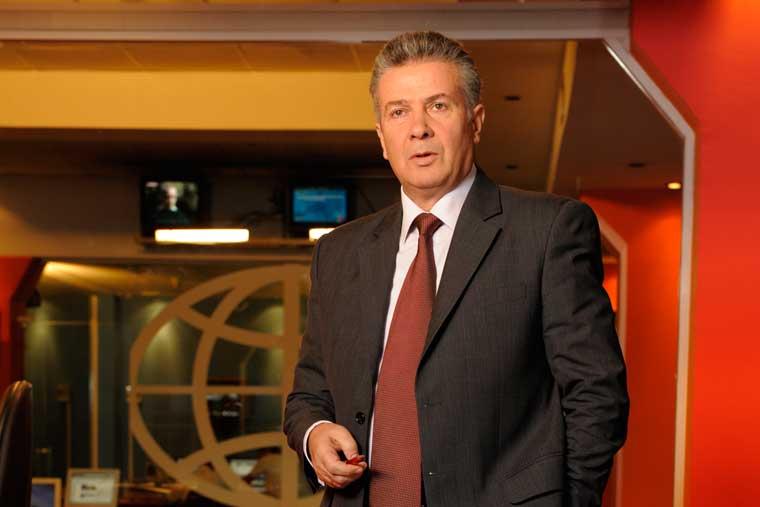 Dhimitër Gjoka: Jetoj me tik-takun e orës së lajmit