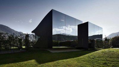 Shtëpia e pushimit prej pasqyre