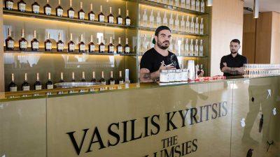 "Tirana mirëpret ""Mbretin e Koktejleve"", Vasilis Kyritsis!"