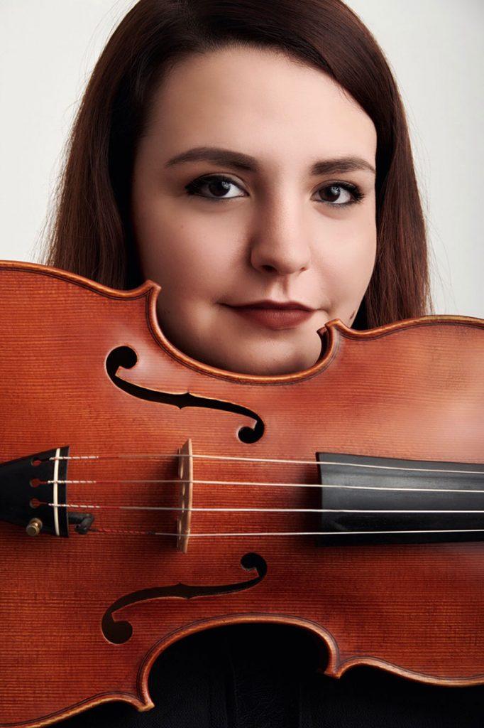 Tinguj dhe shumë ëndrra! Sara Zoto, e dashuruar me muzikën.