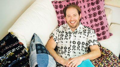 Brenda dhomës shumëngjyrëshe ku Jonathan Cohen frymëzohet dhe dizenjon