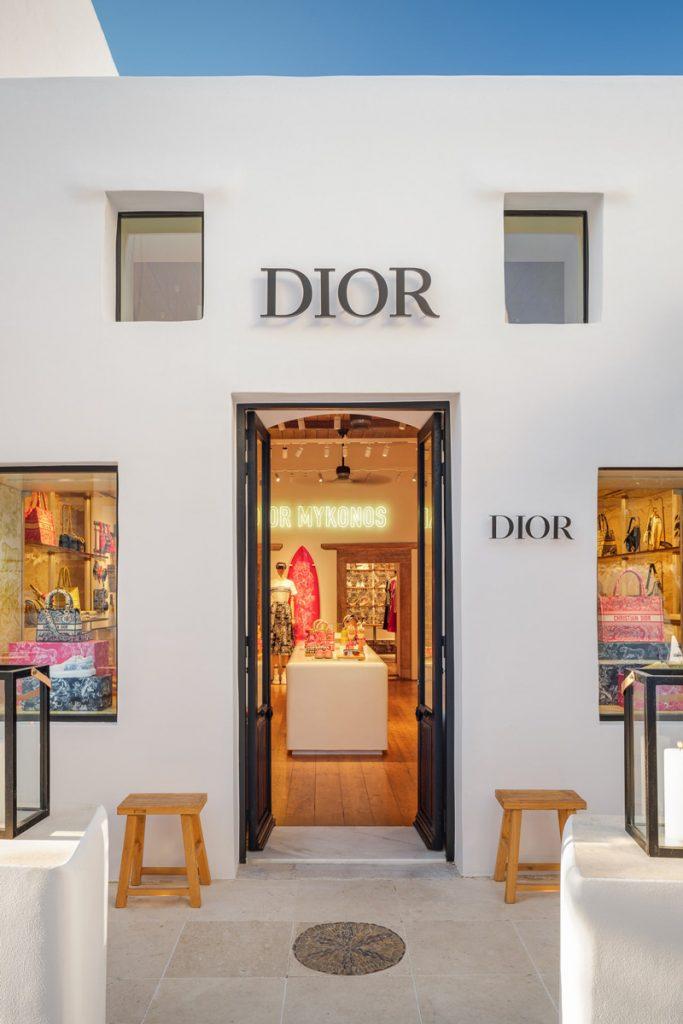 Dior shkon në Mykonos me një koleksion fantastik!