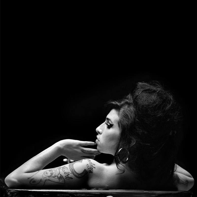 """""""Amy In The Light""""! Dalin në dritë foto të papublikuara të këngëtares fantastike"""